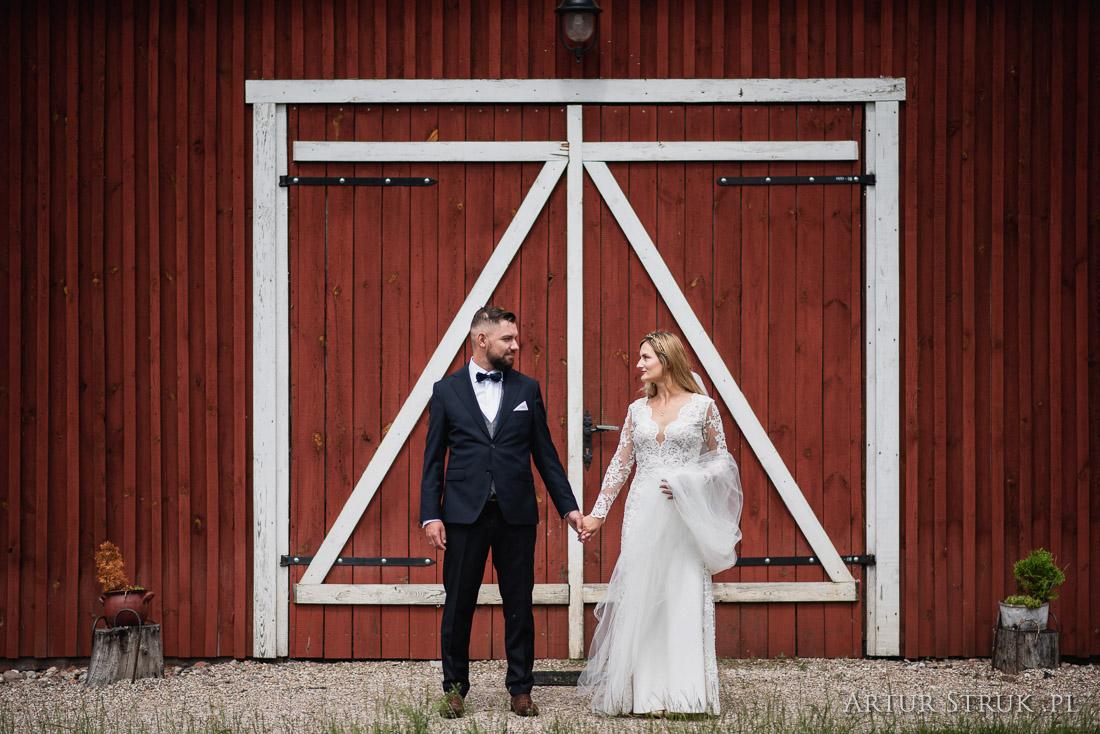 Ula i Adam | Zagórów, Biały Dwór, wioska norweska Arendel